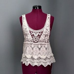 Ella + Cathy Scalloped Crochet Lace Tank Top